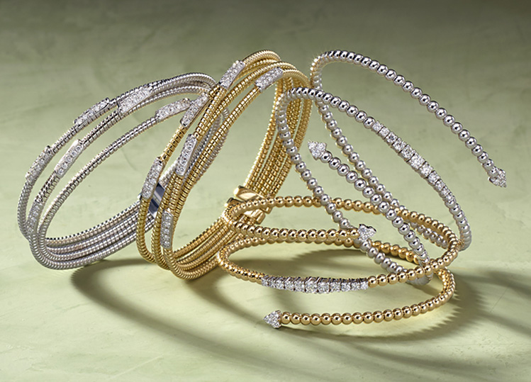From Graceful to Glamorous – Flexible Gold and Diamond Bracelets