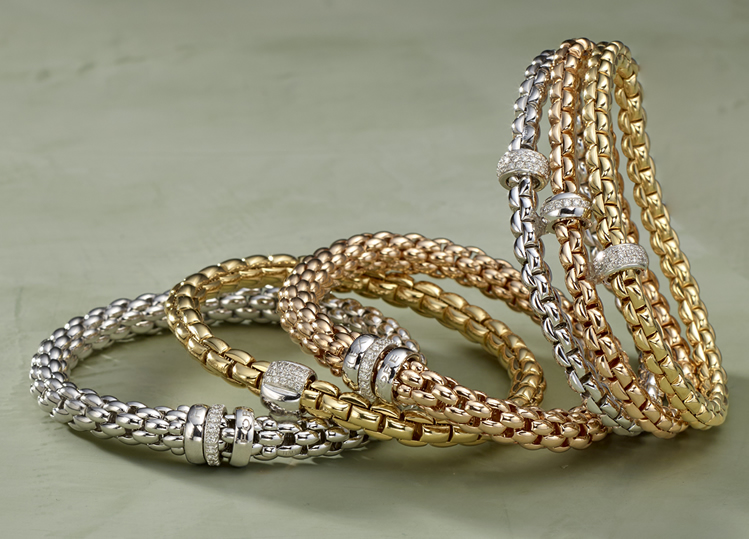 From Graceful to Glamorous – Stretchy 18K Gold bracelets by Fope